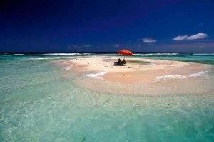 los_roques01_beaches_sandbank_close_to_cayo_sal